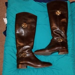 Beautiful Tory Burch boots with dust bag